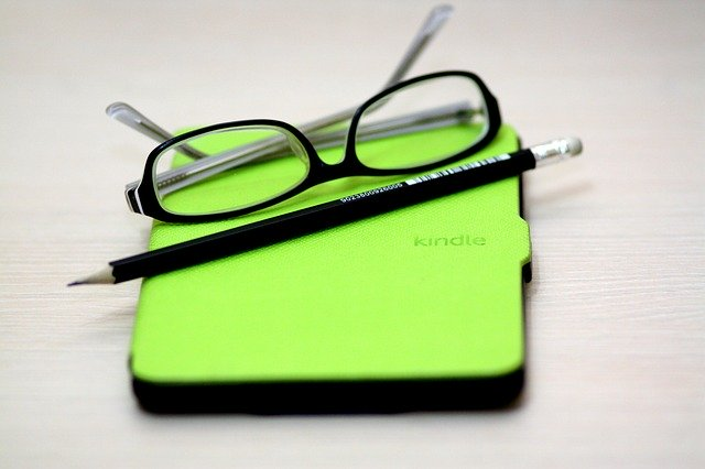 E-Books Versus Paperbacks: Which Sells Best for Authors?